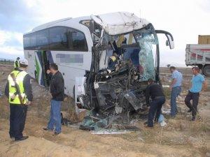 Ankara'da facia gibi kaza: 2 ölü 30 yaralı