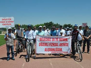 Diyarbakır'da bisiklete binme etkinliği düzenlendi.