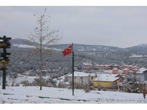 Tokat'ta Nisan ayında kar sürprizi
