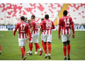 Sivasspor ligdeki 11. galibiyetini aldı
