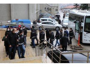 FETÖ'nün yeniden yapılanma operasyonunda 15 şüpheliden 14'ü serbest