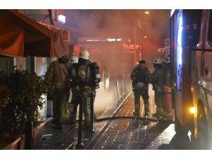 Taksim'deki restoranda çıkan yangın paniğe sebep oldu