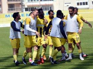 TFF 1. Lig: Menemenspor: 2 - Samsunspor: 2