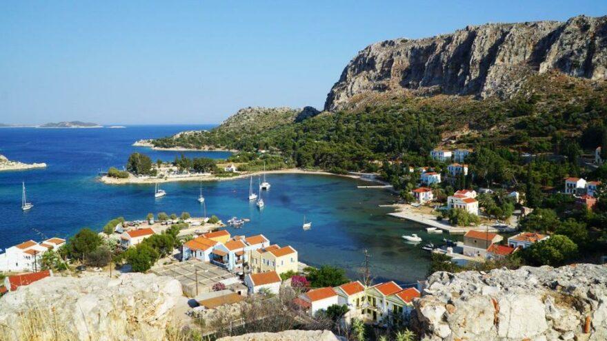"""Yunan adalarından """"Özgürlük Operasyonu"""": Ada sakinlerine aşı yapıp turizmi açıyorlar"""