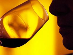 Alkol yüzünden 14 bin kişi öldü!