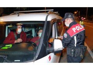 Polislerden sürücülere tatlı sürprizi