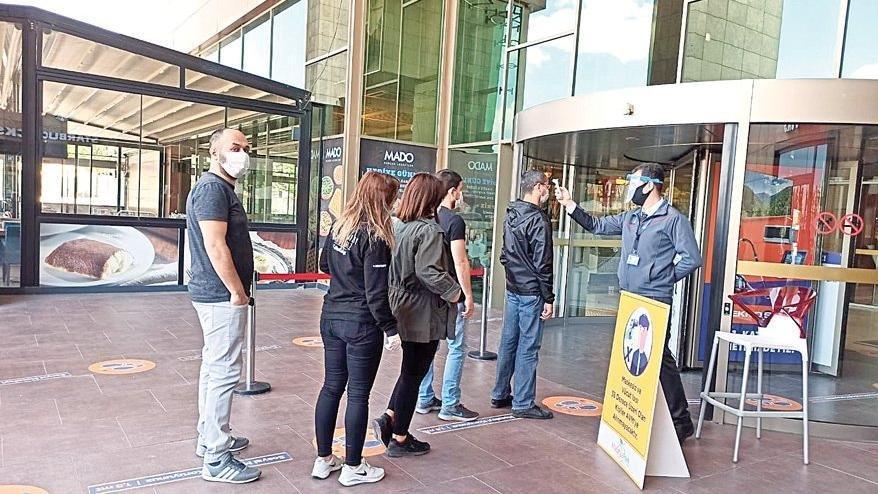 İstanbul'da AVM'ler ile mağazaların kapanış saati değişti