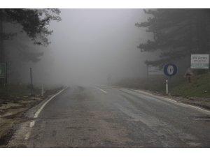 Kazdağları'nda bulut geçişleri hayatı olumsuz etkiliyor
