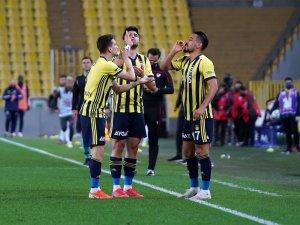 Emre Belözoğlu oyunu çizgiye çekti!