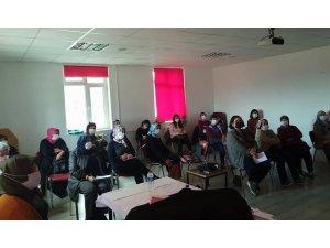 Isparta'da kadınlara kooperatifçilik eğitimi veriliyor