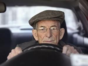Ehliyete yaş sınırı