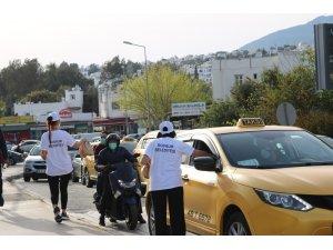 Bodrum Belediyesi iftara yetişemeyenlere kumanya dağıttı