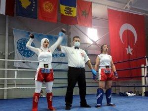 Samsunlu kick boksçular Antalya'dan madalyayla döndüler
