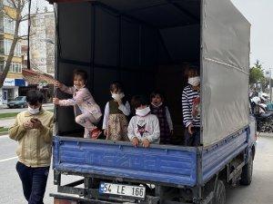Altı çocuğu ile izinsiz ve ehliyetsiz dışarı çıkınca olanlar oldu