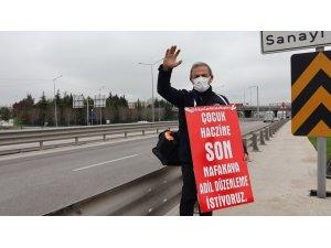 Nafaka yürüyüşünde 2 saat tutuklu kaldıktan sonra yoluna devam etti