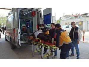 Bursa'da taşıdığı malzemelerin altında kalan işçi yaralandı