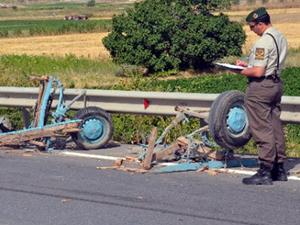 Manisa'da at arabası kaza yaptı