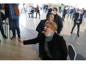Sülfürik asit üretim tesisi ÇED toplantısına çevreci engeli