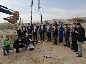 Çiçekdağı ilçesinde belediye binası ve kültür merkezi temeli atıldı