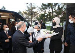 Başkan Büyükkılıç Bakan Akar ile Varank'ı belediyede ağırladı