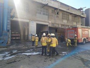 Başakşehir'de zamak imalathanesinde korkutan yangın