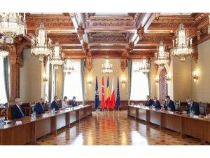 Dışişleri Bakanı Çavuşoğlu, Romanya Cumhurbaşkanı Iohannis ile bir araya geldi