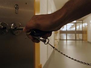 Taciz iddiasıyla yargılanan öğretmene 85 yıl hapis cezası verildi