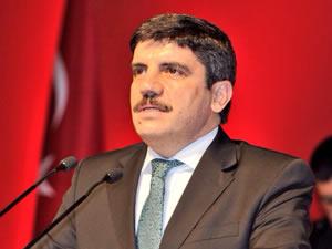 Twitter da günün sazanı AK parti MYK üyesi Yasin Aktay oldu