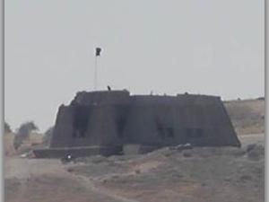 IŞİD Türkiye sınırında ki köyü ele geçirdi