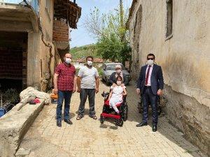 Engelli kızın bayram hediyesi Başkan Ergün'den