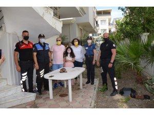 Didim'de polislerden sürpriz doğum günü
