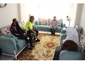 Polis ve jandarmadan anlamlı ziyaret