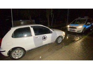 Kovalamacada yakalanan iki kişilik araçtan 6 kişi çıktı