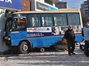 Maltepe'de minibüs dehşeti!