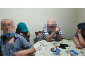 Nazilli'de 15 kişi kumar oynarken yakalandı