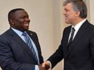 Gül, Zambiya'lı konuğunu köşkte ağırladı