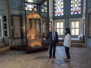 """""""Arife Tahtı"""" Topkapı Sarayı Revan Köşkü'nde sergilenmeye başlandı"""