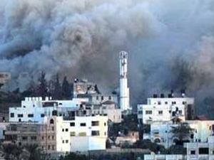 İsrail saldırıyor Gazze yanıyor
