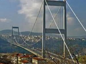 İstanbul trafiğini felç etti