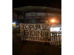 """Fenerbahçe Stadı'na tepki parkartı: """"Topunuz gidin"""""""