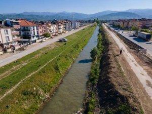 Kanal İnegöl'de istinat duvarı çalışmaları tamamlandı