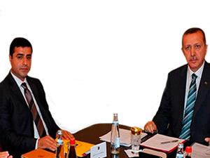 İhsanoğlu'ndan cumhurbaşkanı adaylarına bağış