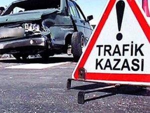 Amasya'da minibüs şarampole yuvarlandı: 11 yaralı