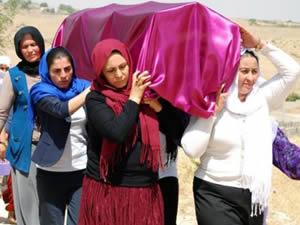 Tanımadıkları cenazeyi omuzlarında taşıdılar