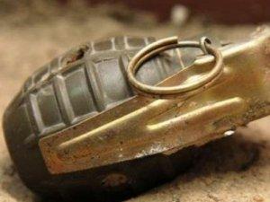 Sınırda el bombası bulundu