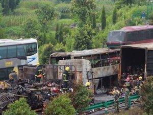Çin'de trafik kazası: 38 ölü