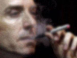 Eşi sigara içti, eşi milyar dolar kazandı