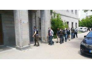 Ağrı merkezli 14 ilde düzenlenen FETÖ/PDY operasyonunda 25 kişi gözaltına alındı
