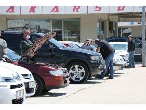 Aylar sonra açılan 2. el oto pazarı alıcıyı da satıcıyı da memnun etmedi