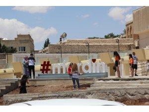 Mardin'e gelen Amerikalı turist gördüklerine hayran kaldı